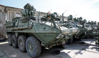 Aplicaţii în stil american. Pe parcursul a două săptămâni, geniştii moldoveni vor participa la exerciţii militare, alături de soldaţi de peste ocean. Aceştia se vor antrena în depistarea şi neutralizarea obiectelor periculoase, consolidarea punctelor strategice şi acordarea primului ajutor. Pentru prima dată, pe teritoriul batalionului de genişti din satul Negreşti au loc aplicaţii militare moldo-americane... Post-ul Geniştii moldoveni vor participa la exerciţii militare, alături de soldaţi americani apare prima dată în CANAL 3.