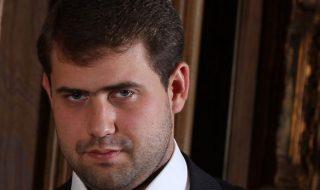 Hotărât: Ilan Şor rămâne în arest pentru 30 de zile. Curtea de Apel a respins demersul avocaţilor, care au cerut eliberarea din arest a acestuia din cauza problemelor de sănătate. Şor a fost adus în instanţă de mascaţi într-o vestă antiglonţ. Iar mii de protestatari au venit în faţa sediului Curţii de Apel pentru a-l... Post-ul Hotărât: Ilan Şor rămâne în arest pentru 30 de zile apare prima dată în CANAL 3.
