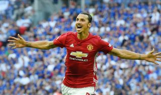 """Un Zlatan sau doi de Zlatan? Dublura lui Ibrahimovic a pătruns pe teren la meciul dintre United şi Leicester. Intrusul, sută la sută copia suedezului, a intrat pe teren şi s-a dat în spectacol. Un episod super amuzant a avut loc în prima jumătate a meciului dintre """"diavoli roşii"""" şi """"vulpi"""". Pe """"Old Trafford"""" şi-a... Post-ul Un Zlatan – doi de Zlatan! apare prima dată în CANAL 3."""