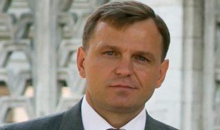 """Partidul """"DA"""" nu va ceda nimic pentru Maia Sandu. Liderul Mişcării Populare Antimafie, Sergiu Mocanu, susţine că Năstase nu se va retrage niciodată din cursa electorală în favoarea candidatului PAS. Totodată, Mocanu consideră că ar fi o mare prostie ca Maia Sandu să cedeze în favoarea finului de cununie al mafiotului Victor Ţopa. Declaraţiile au... Post-ul Mocanu: Sandu nu trebuie să cedeze apare prima dată în CANAL 3."""